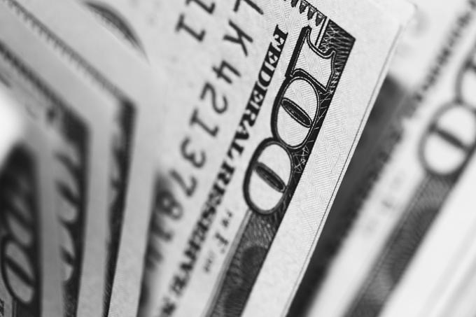アパレル販売員の給料は低い?本当は年収UPしやすい秘密とうれしいフォロー制度