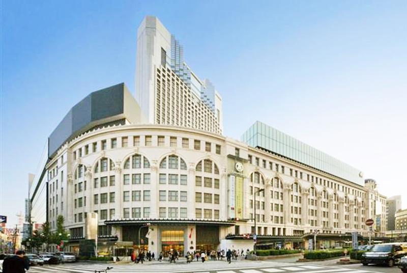大阪ミナミを代表する老舗デパート【大阪タカシマヤ】で働く魅力とは?